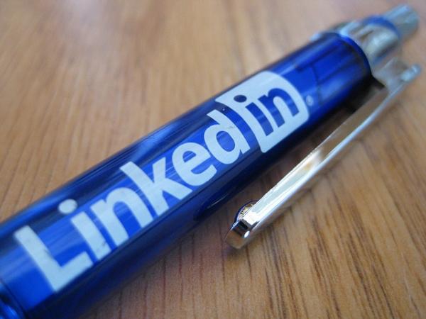 linkedin_pen