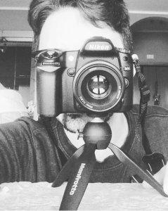 Mezzo uomo mezzo Nikon